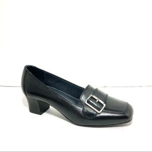 Naturalizer Black Leather Heeled Loafers Sz 7M